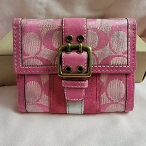 Nwt Coach signature pink t dye wallet